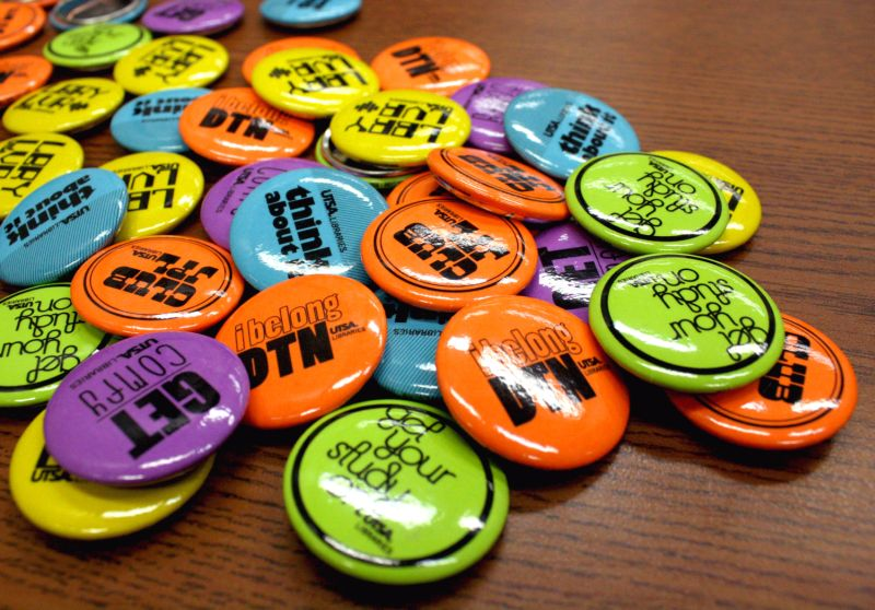UTSA Library week buttons